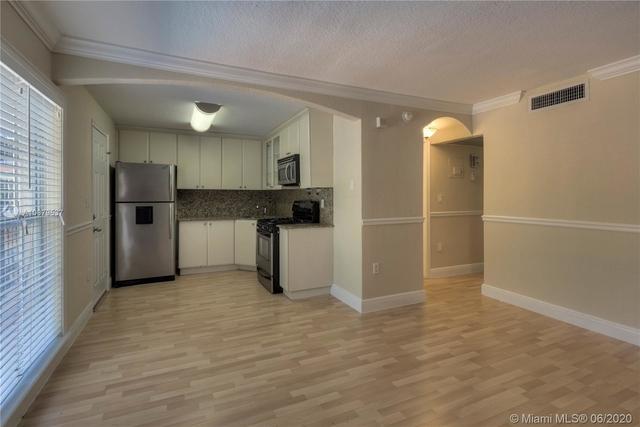 2 Bedrooms, Northeast Coconut Grove Rental in Miami, FL for $1,625 - Photo 2