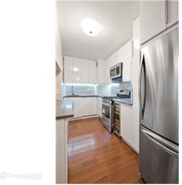 3 Bedrooms, Sutton Place Rental in NYC for $5,750 - Photo 2