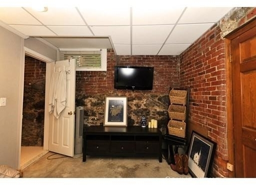 2 Bedrooms, Washington Square Rental in Boston, MA for $3,000 - Photo 1