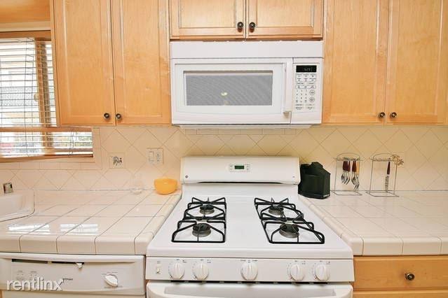 3 Bedrooms, Sherman Oaks Rental in Los Angeles, CA for $2,295 - Photo 1