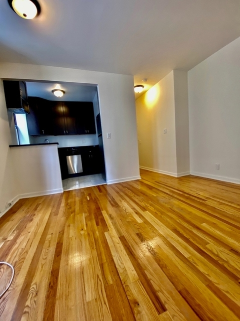 2 Bedrooms, Upper West Side Rental in NYC for $3,050 - Photo 2