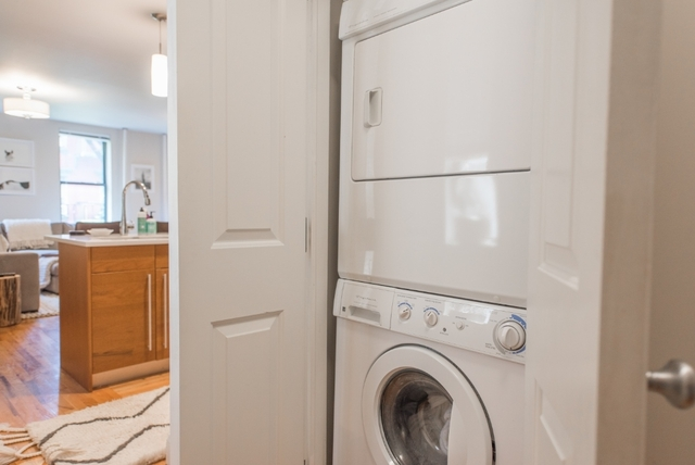 2 Bedrooms, NoLita Rental in NYC for $5,950 - Photo 2