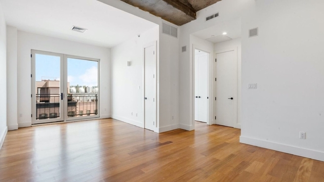 2 Bedrooms, Greenpoint Rental in NYC for $3,166 - Photo 1