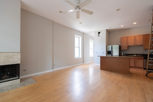 2 Bedrooms, West Town Rental in Chicago, IL for $1,995 - Photo 2