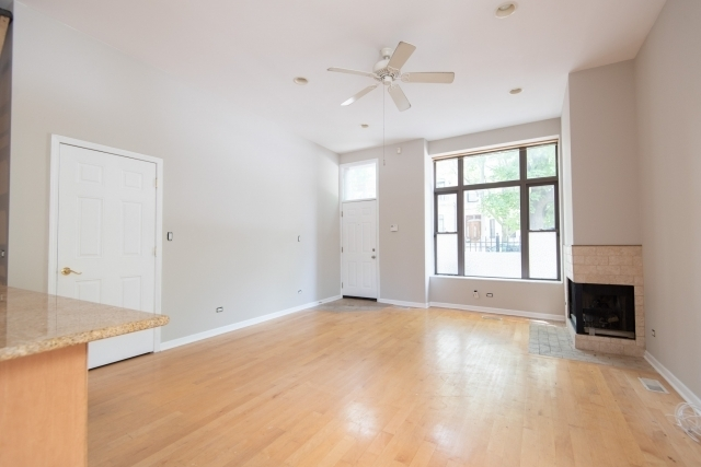 2 Bedrooms, West Town Rental in Chicago, IL for $1,995 - Photo 1