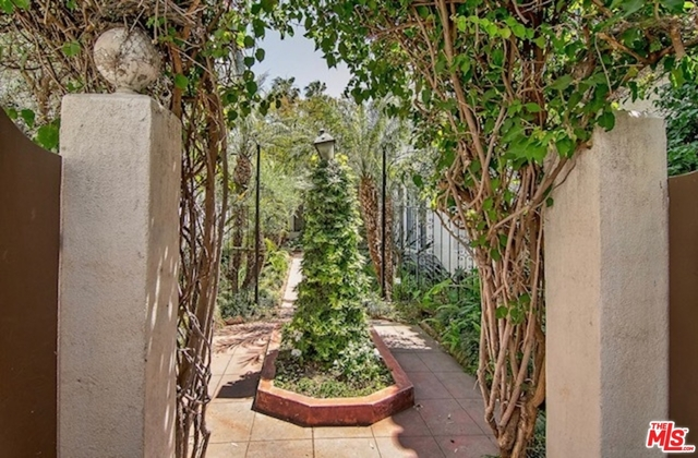 2 Bedrooms, Hollywood Hills West Rental in Los Angeles, CA for $5,495 - Photo 2