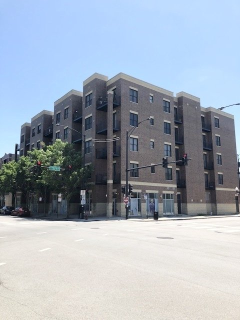 2 Bedrooms, The Gap Rental in Chicago, IL for $1,850 - Photo 2