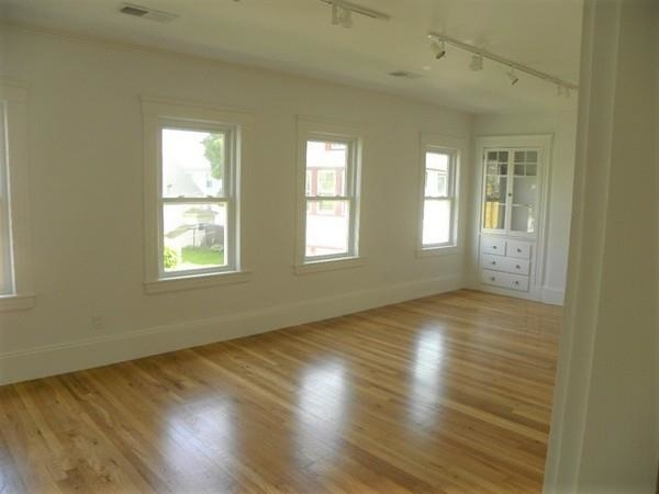 3 Bedrooms, Strawberry Hill Rental in Boston, MA for $3,700 - Photo 2