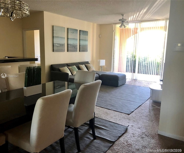 2 Bedrooms, Biscayne Yacht & Country Club Rental in Miami, FL for $2,100 - Photo 2