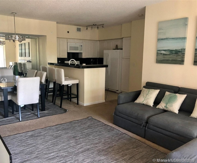 2 Bedrooms, Biscayne Yacht & Country Club Rental in Miami, FL for $2,100 - Photo 1