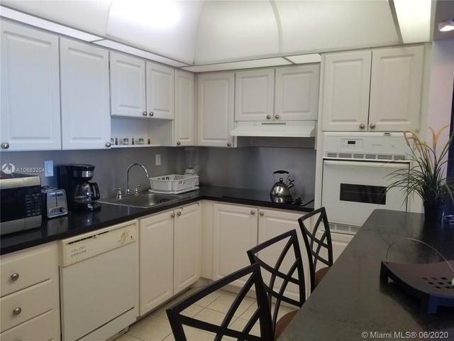 1 Bedroom, Golden Shores Ocean Boulevard Estates Rental in Miami, FL for $1,700 - Photo 2