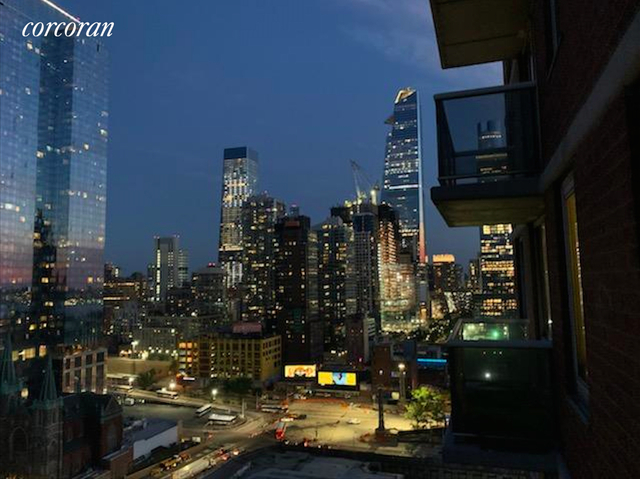 2 Bedrooms, Hell's Kitchen Rental in NYC for $4,425 - Photo 1