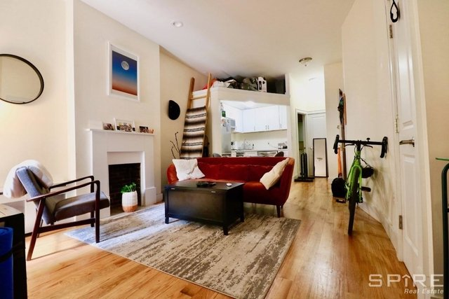 1 Bedroom, Hell's Kitchen Rental in NYC for $3,230 - Photo 2