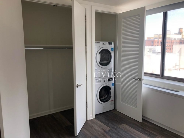 2 Bedrooms, Hell's Kitchen Rental in NYC for $4,160 - Photo 2