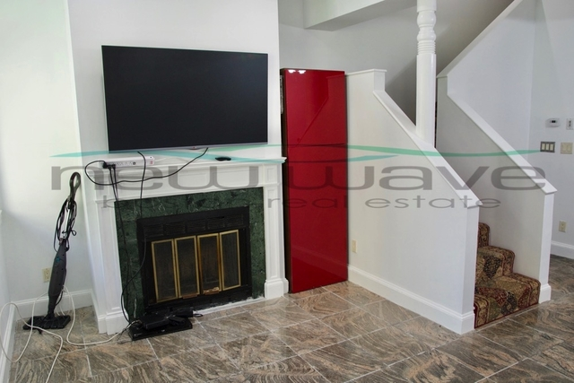 1 Bedroom, Fenway Rental in Boston, MA for $2,700 - Photo 2