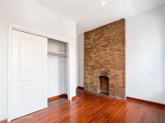 2 Bedrooms, Hell's Kitchen Rental in NYC for $2,246 - Photo 1