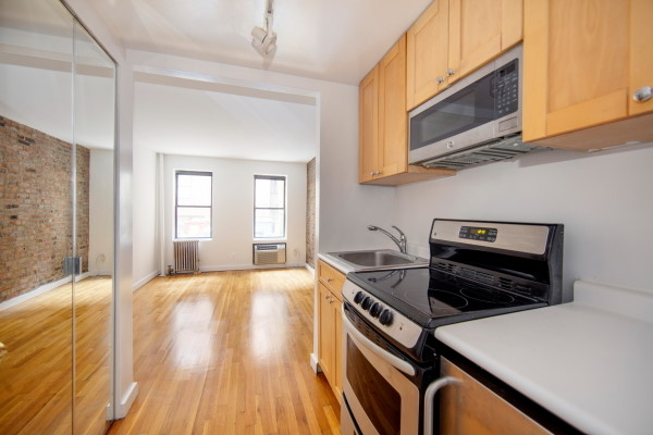 1 Bedroom, SoHo Rental in NYC for $2,300 - Photo 1