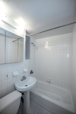 1 Bedroom, SoHo Rental in NYC for $2,300 - Photo 2
