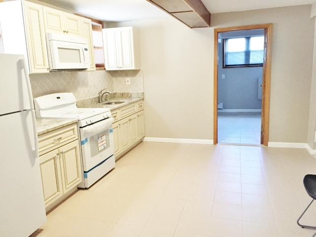 2 Bedrooms, Astoria Rental in NYC for $1,900 - Photo 2