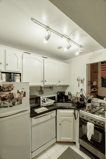 3 Bedrooms, Greenwich Village Rental in NYC for $5,095 - Photo 2