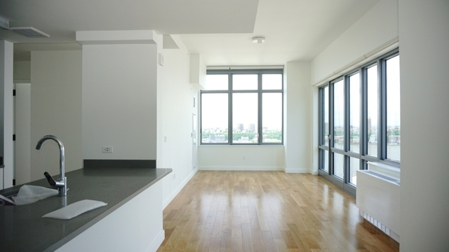 3 Bedrooms, Hell's Kitchen Rental in NYC for $7,096 - Photo 1