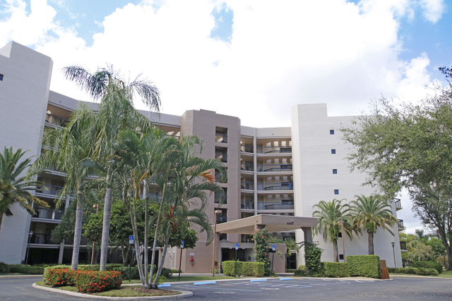 3 Bedrooms, The Fountains Country Club Rental in Miami, FL for $1,900 - Photo 1