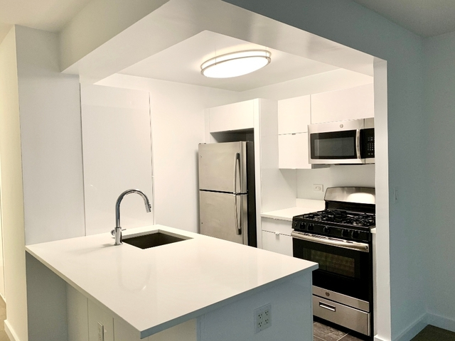 1 Bedroom, Tribeca Rental in NYC for $2,895 - Photo 2