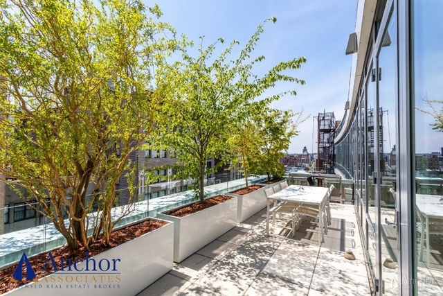 3 Bedrooms, Chelsea Rental in NYC for $17,500 - Photo 2