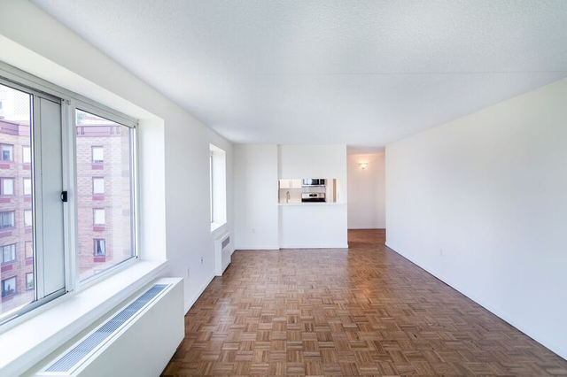 2 Bedrooms, Battery Park City Rental in NYC for $5,123 - Photo 1