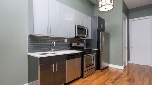 3 Bedrooms, Ridgewood Rental in NYC for $2,599 - Photo 1