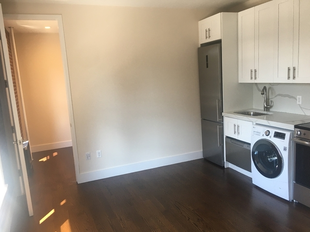 2 Bedrooms, Alphabet City Rental in NYC for $3,495 - Photo 2