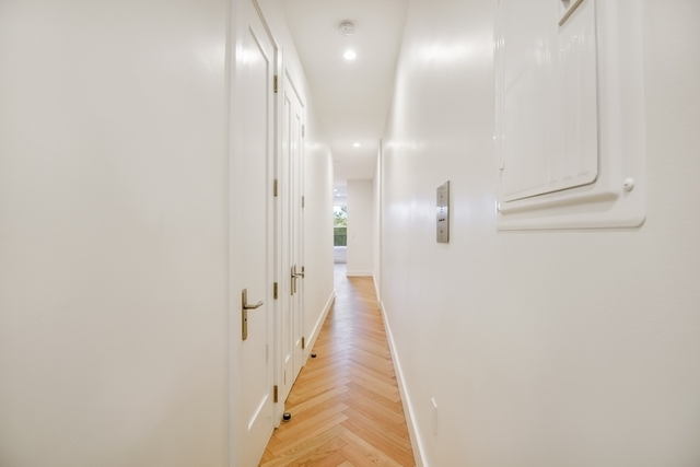 1 Bedroom, South Slope Rental in NYC for $0 - Photo 2