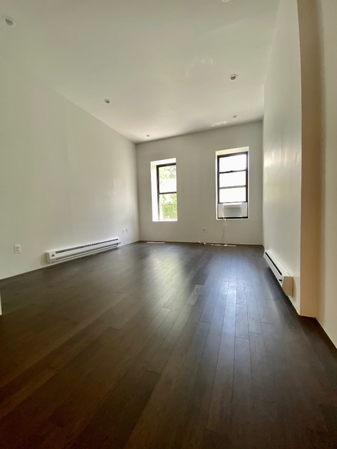 1 Bedroom, Yorkville Rental in NYC for $2,625 - Photo 2