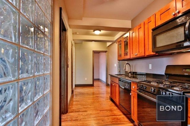 2 Bedrooms, Greenwich Village Rental in NYC for $4,275 - Photo 2