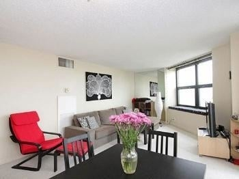 2 Bedrooms, Lake View East Rental in Chicago, IL for $2,295 - Photo 2