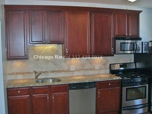 3 Bedrooms, North Center Rental in Chicago, IL for $1,995 - Photo 2