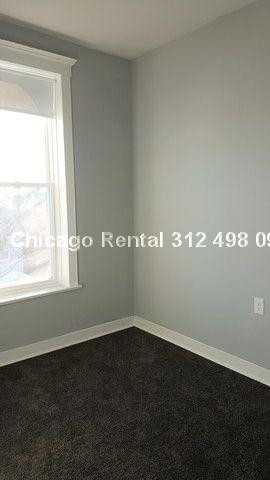 2 Bedrooms, Heart of Chicago Rental in Chicago, IL for $1,475 - Photo 2