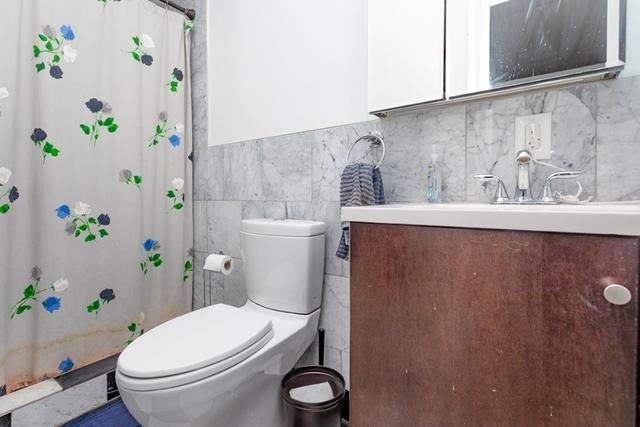 2 Bedrooms, Bushwick Rental in NYC for $2,492 - Photo 2