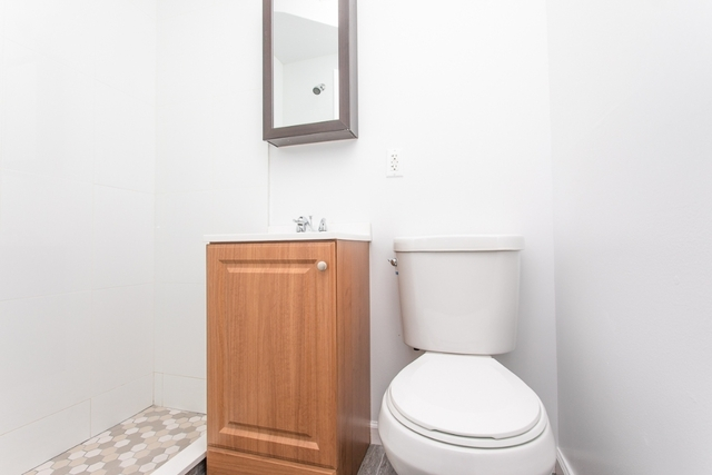 2 Bedrooms, East Williamsburg Rental in NYC for $2,450 - Photo 2