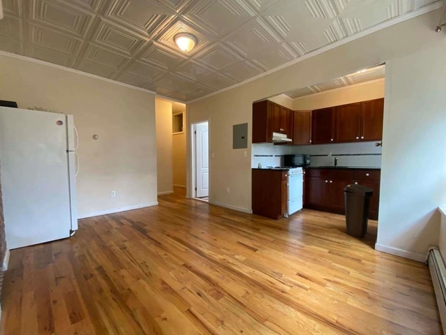 3 Bedrooms, Bedford-Stuyvesant Rental in NYC for $2,100 - Photo 2