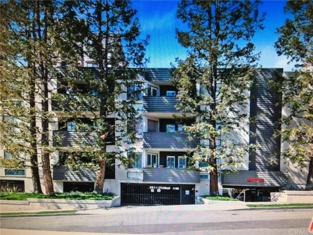 2 Bedrooms, Westwood Rental in Los Angeles, CA for $3,380 - Photo 2