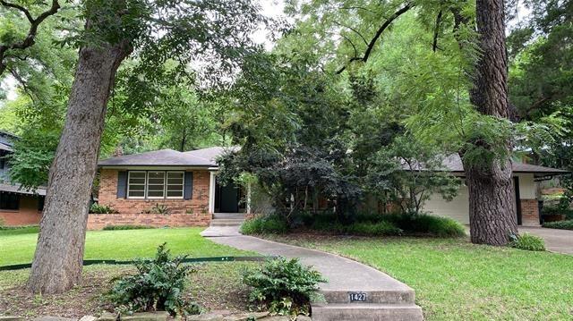3 Bedrooms, East Kessler Park Rental in Dallas for $2,745 - Photo 1