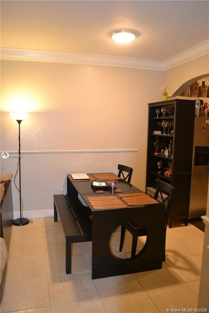 3 Bedrooms, Shoma at Country Club of Miami Rental in Miami, FL for $1,700 - Photo 2