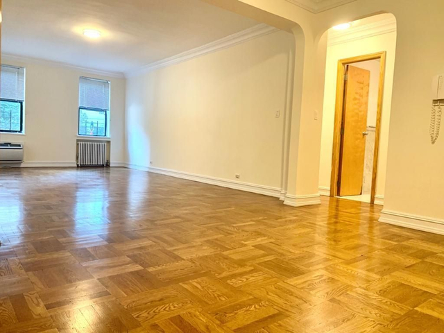 1 Bedroom, Yorkville Rental in NYC for $2,745 - Photo 2