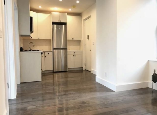 3 Bedrooms, Lower East Side Rental in NYC for $4,325 - Photo 2