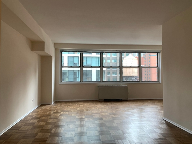 Studio, Theater District Rental in NYC for $2,750 - Photo 2
