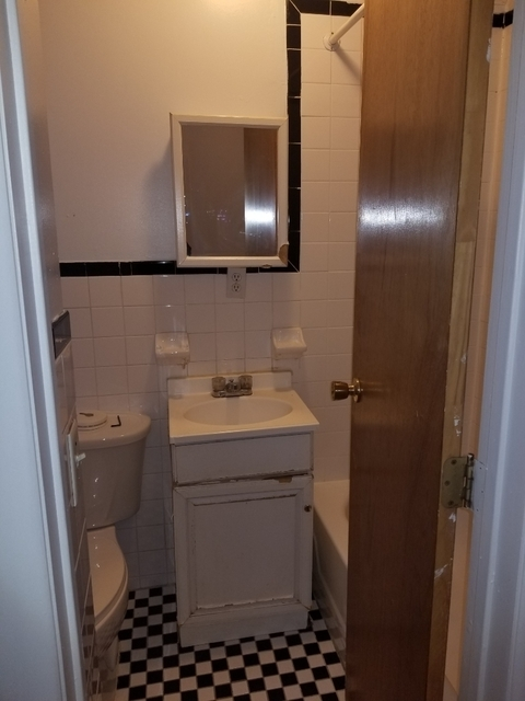 3 Bedrooms, Gramercy Park Rental in NYC for $4,095 - Photo 2