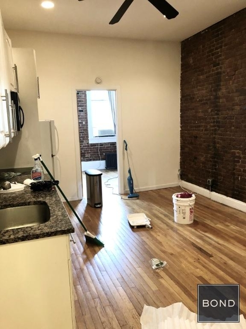 2 Bedrooms, Alphabet City Rental in NYC for $2,795 - Photo 2