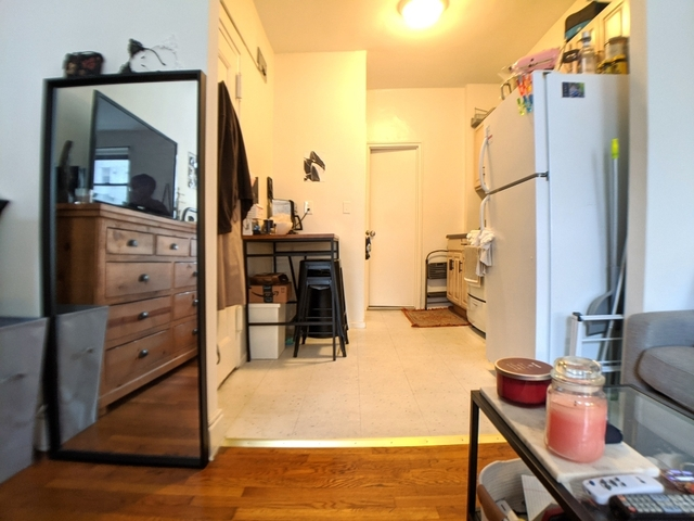 Studio, Yorkville Rental in NYC for $1,903 - Photo 2