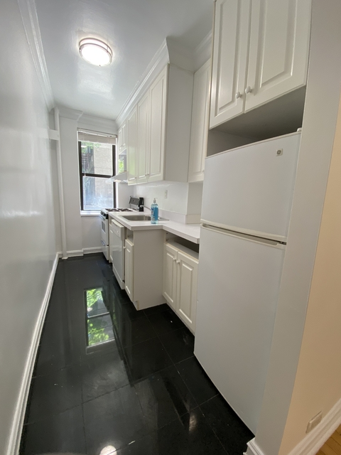 Studio, Yorkville Rental in NYC for $2,154 - Photo 2